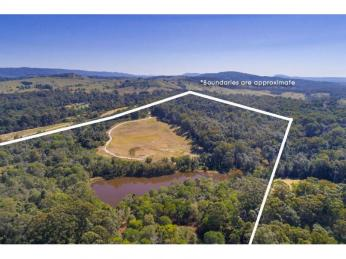 View profile: 85 private acres close to town