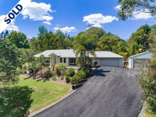 View profile: modern living in one of the Noosa hinterland's best streets