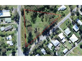 View profile: 1 acre (4755m2) townhouse development site