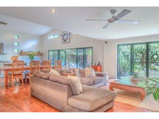 View profile: Sought after acreage, so close to noosa