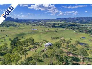 View profile: Hilltop oasis in the Sunshine Coast Hinterland.