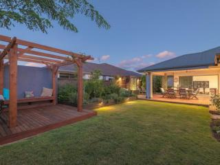 View profile: Family home in Eumundi, walk to town